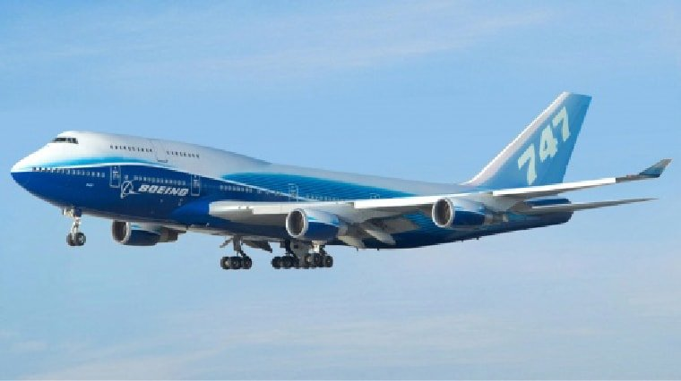 Boeing 747 with landing gear down