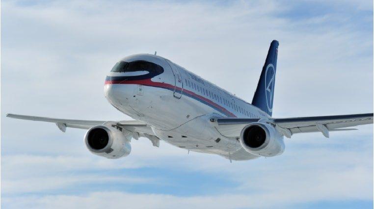sukhoi superjet in flight